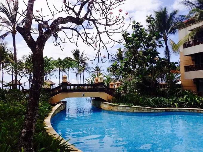酒店果然名不虚传,听说泳池是整个巴厘岛最大的吧