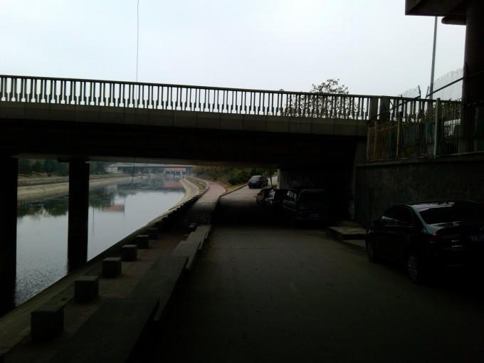 从肖家河桥向南沿圆明园西路经过北京大学燕北园