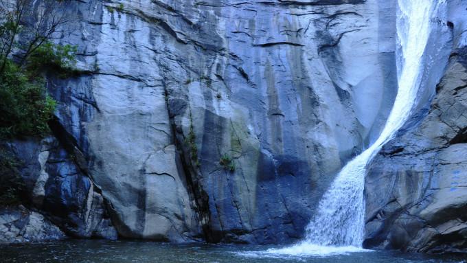 壁纸 风景 旅游 瀑布 山水 桌面 680_383