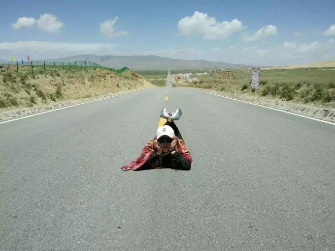 骑车累卡通图片