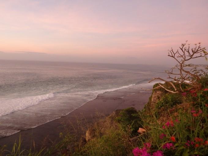 午餐:蓝点湾悬崖餐厅  晚餐:蓝点湾悬崖餐厅 最后在巴厘岛游玩的一天
